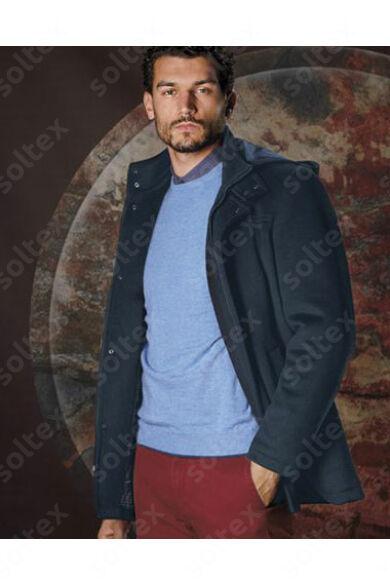 Elegáns rövid gyapjú kabát kapucnival